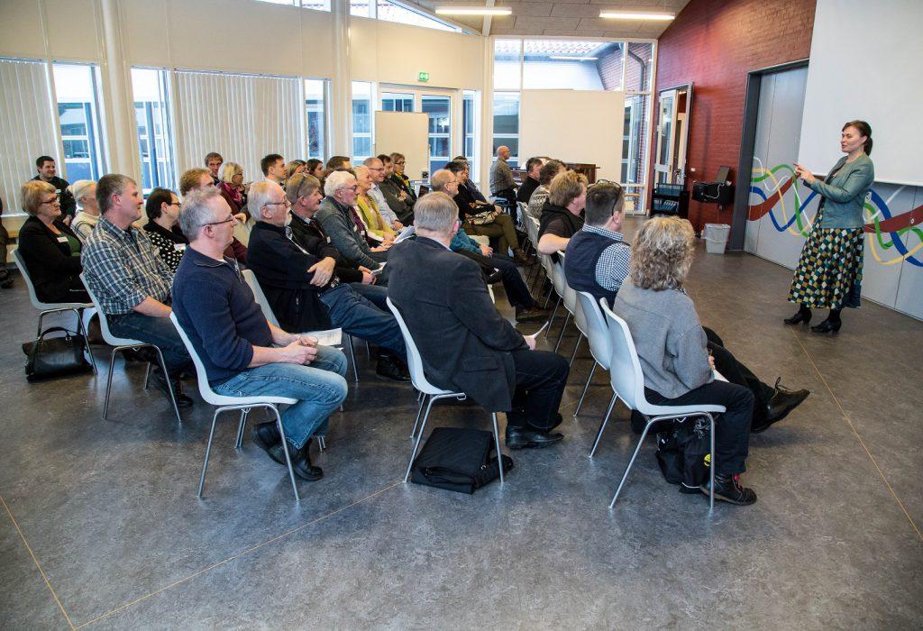 Landsbyhøjskole Connie + stolerækker 1500 foto Kim Toft Jørgensen